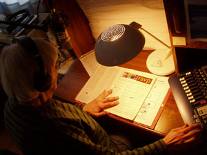 Photo of in-home volunteer narrator.